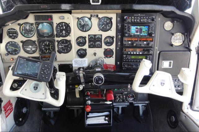 1990 Beechcraft Bonanza F33A aeroplane for sale