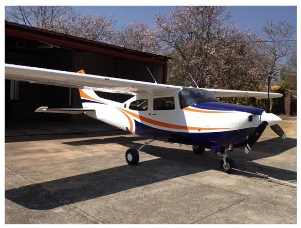 Cessna T210L aeroplane